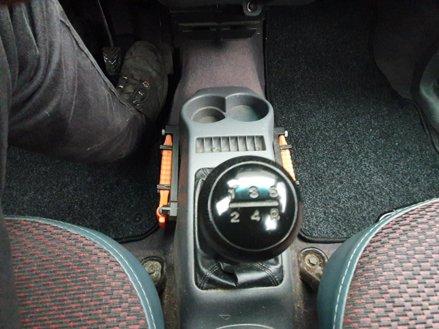Hyundai-Atos-11